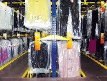 Specializuoti rūbų stelažai